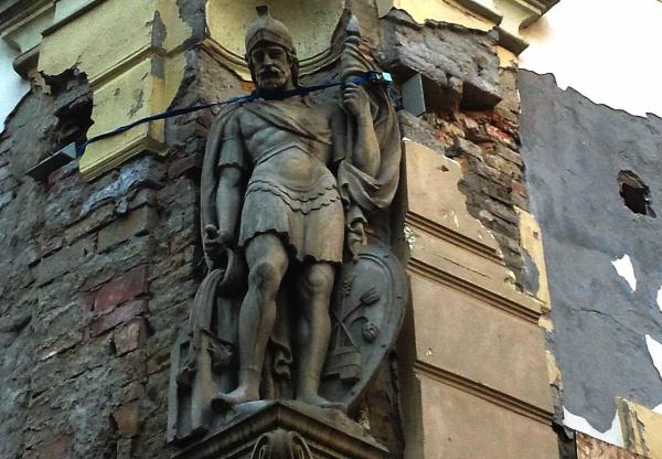 műemlékvédelem kulturális örökségvédelem Szt. Flórián Buddhista központ szobor