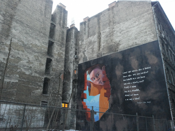 tűzfalfestmény hajléktalanság public art