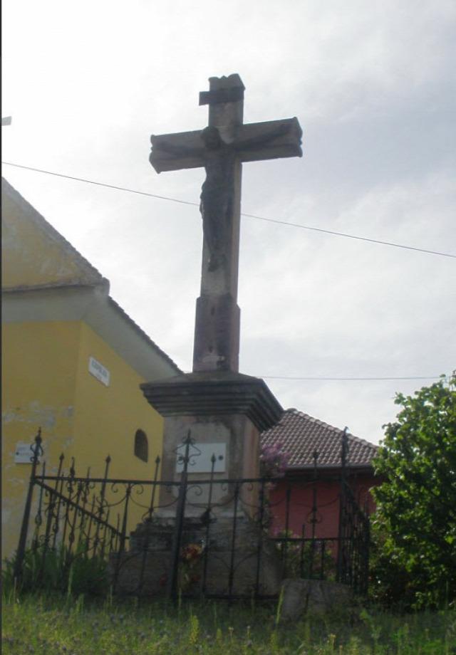 kápolna utca Szent Mihály kápolna  kereszt vác