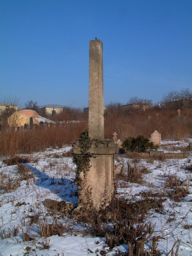 középvárosi temető  keresztek