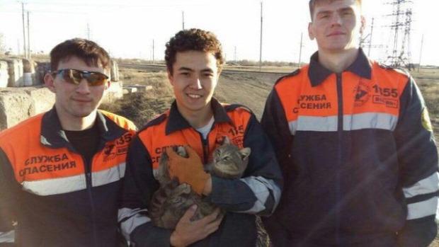 mentés mentők beton szorult