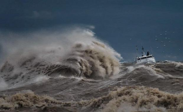 A világ érdekes Nagy-tavak Erie-tó vihar hullám