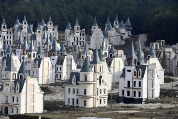 A világ érdekes kastély mesebeli lakópark csőd