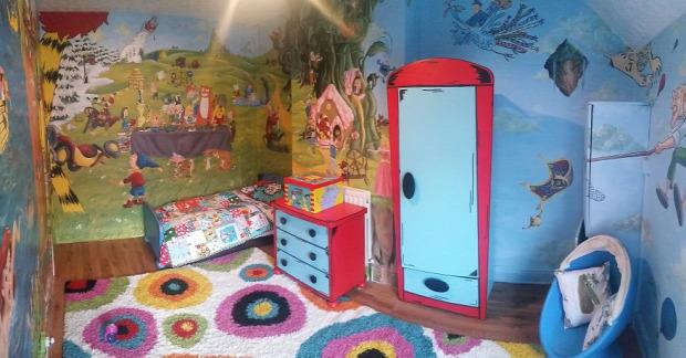 A világ érdekes gyerek szoba Disney festés