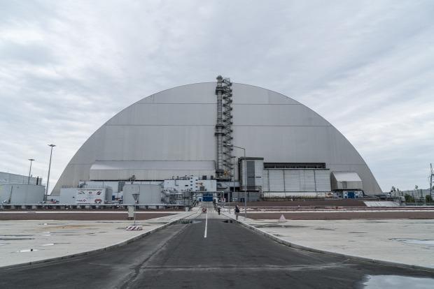 csernobil szarkofág építés