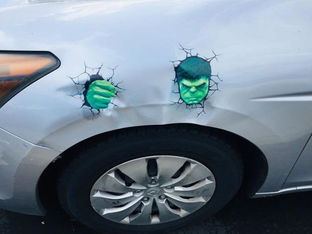 A világ érdekes autó törés kár grafika javítás vicces