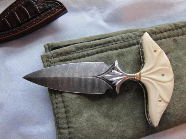 Kütyülógia fegyver kés marokkés