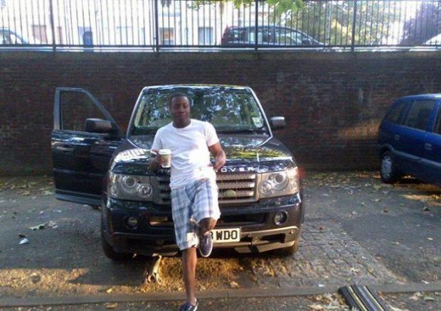 Az isten állatkertje brit banda autó lopás Facebook