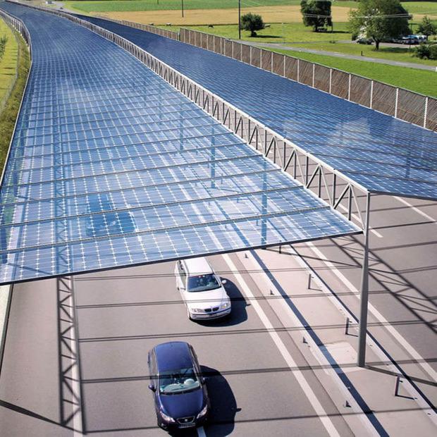 autópálya napelem lefedés