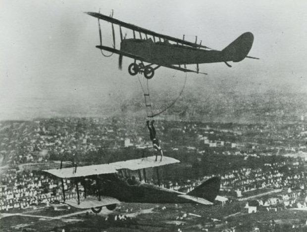 Isten állatkertje Amerika 20-as évek kaszkadőr légi