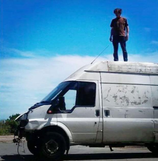 A világ érdekes művész furgon lángvágó