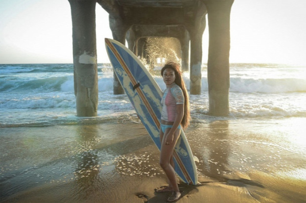 surf szörf ruha testfestés