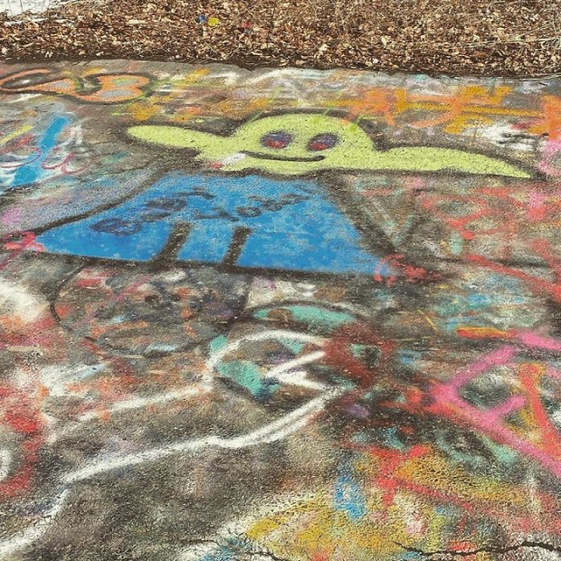 centralia  főút graffiti
