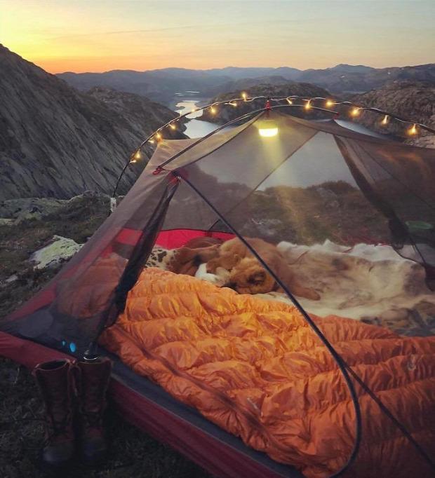 A világ érdekes sátor átlátszó