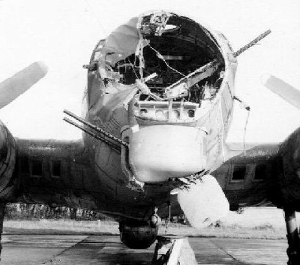 A világ érdekes világháború második B-17 repülő erőd bombázó