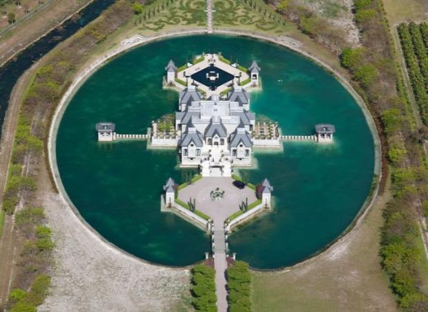 A világ érdekes kastély vár erőd víz vizesárok