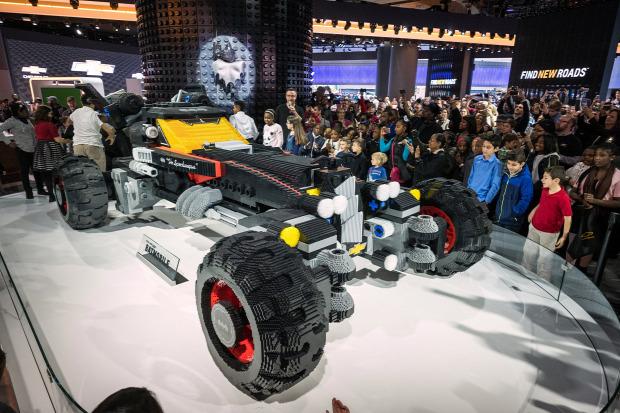A világ érdekes film LEGO batman batmobile speedwagon autó életnagyságú