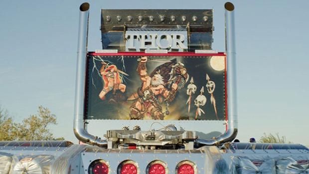 A világ érdekes kamion vontató szörnyeteg Thor 24