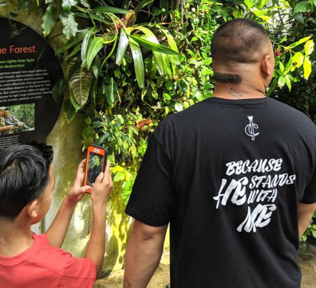 isten állatkertje frizura haj