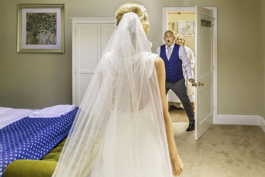 esküvő ruha apa örömapa pillanat
