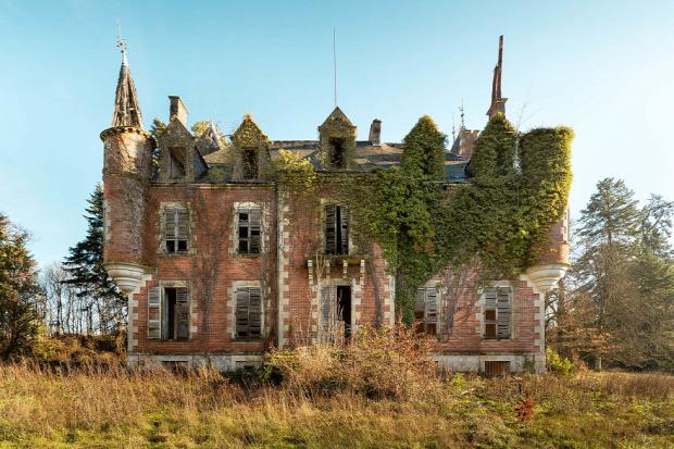 kastély elhagyott rom