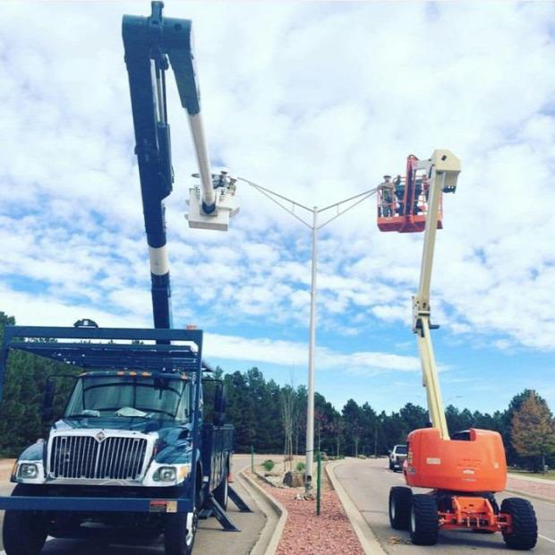 A világ érdekes villanyszerelő munkahely veszélyes