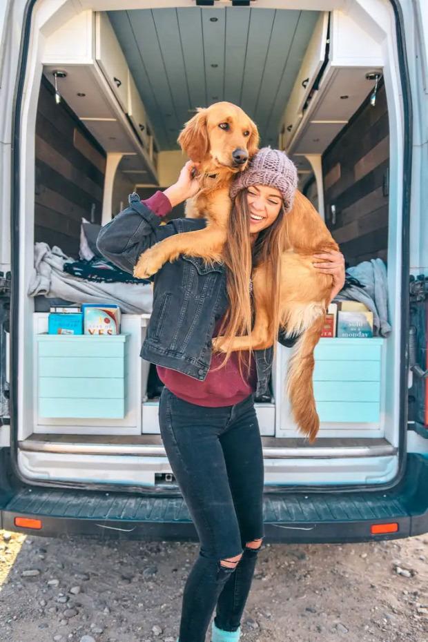 mikrobusz utazás Amerika Ella Sidney