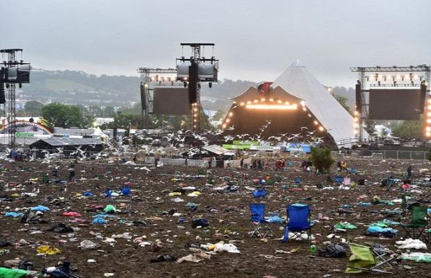 A világ érdekes Glastonbury fesztivál szemét