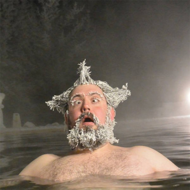tél medence víz jég haj frizura