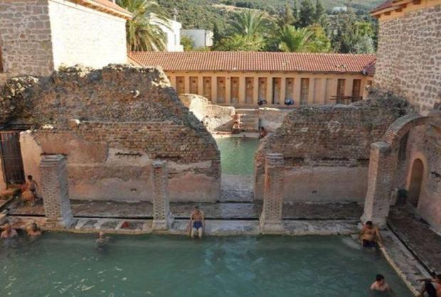 A világ érdekes Hammam Essalihine Algéria fürdő római