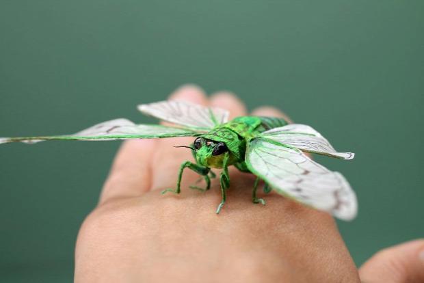 papír rovar bogár szobor