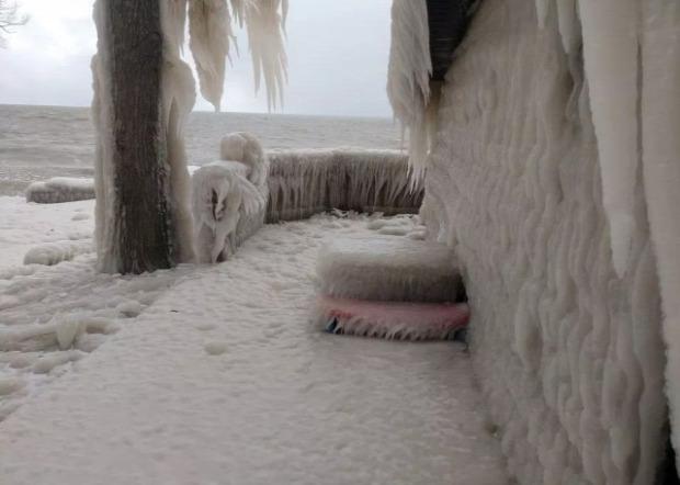 A világ érdekes jég ontario-tó ház