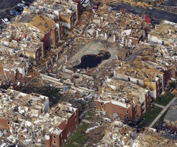 tornádó joplin pusztítás előtte utána légifelvétel
