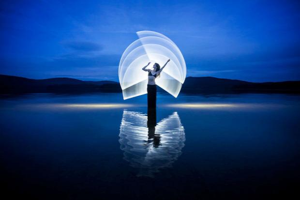 A világ érdekes fény fótó fénycső misztikus