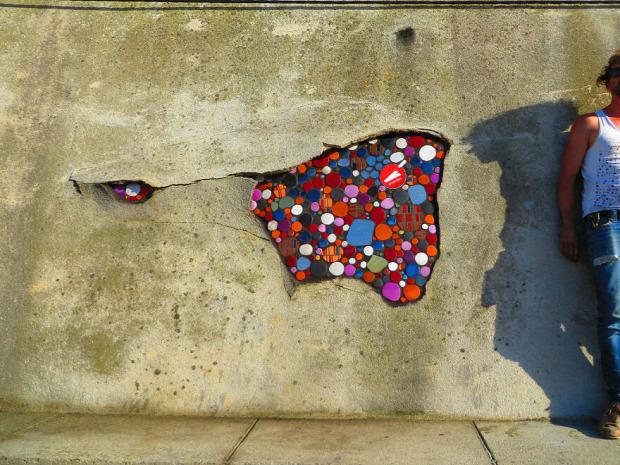 kátyú úthiba mozaikművész Lyon