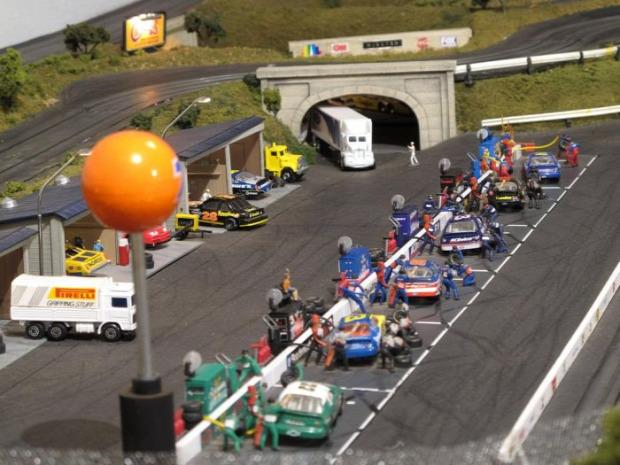 A világ érdekes terepasztal autópálya