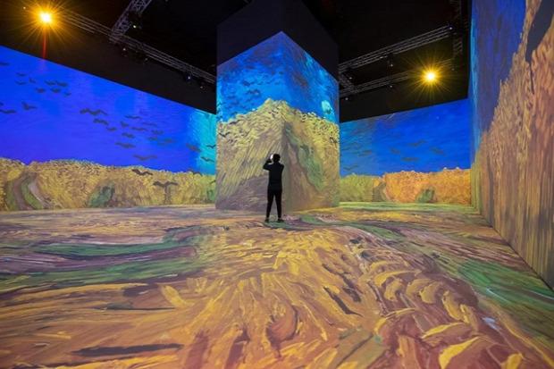 A világ érdekes Szaud-Arábia tükör koncertterem Miraya