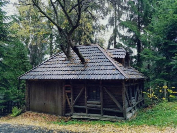 A világ érdekes fa épület ház kerítés