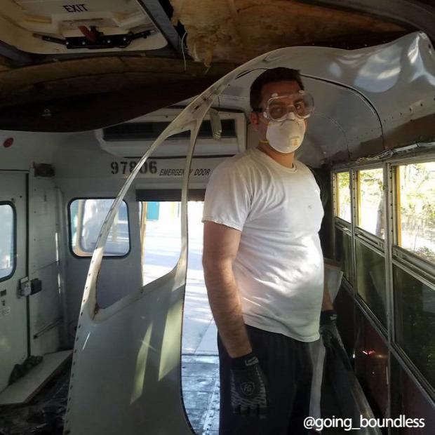 iskolabusz átalakítás lakóautó lakóbusz