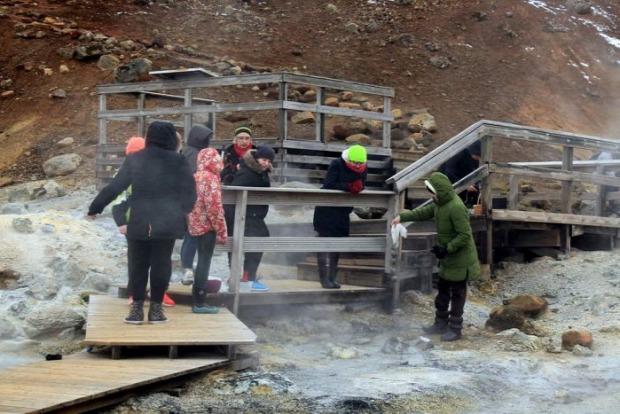 A világ érdekes Izland forrás forró kénes tojás főzés festés