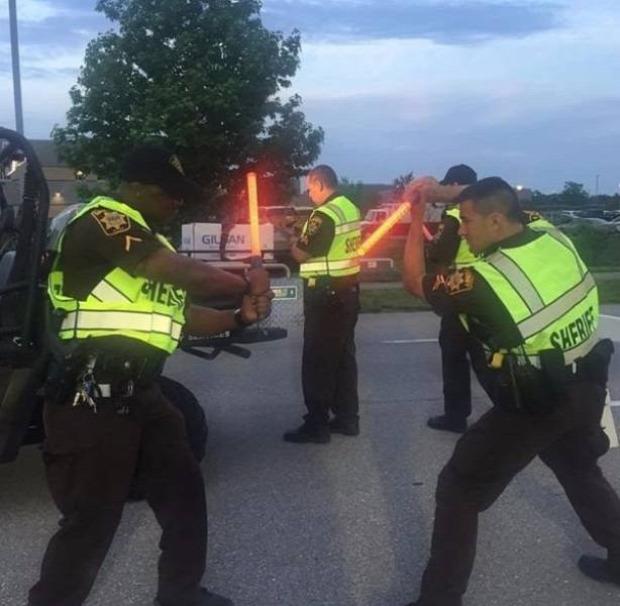 A világ érdekes rendőr rendőrség humor vicces emberiesség