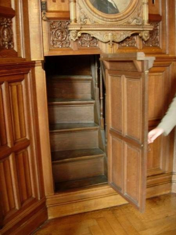 A világ érdekes rejtekajtó titkos folyosó szoba