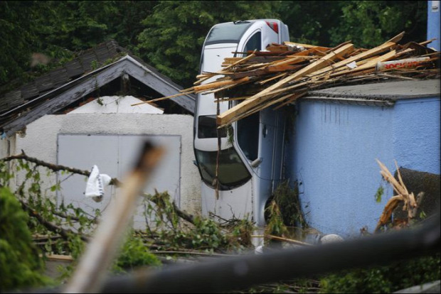 A világ érdekes Felhőszakadás villám áradás Németország Franciaország