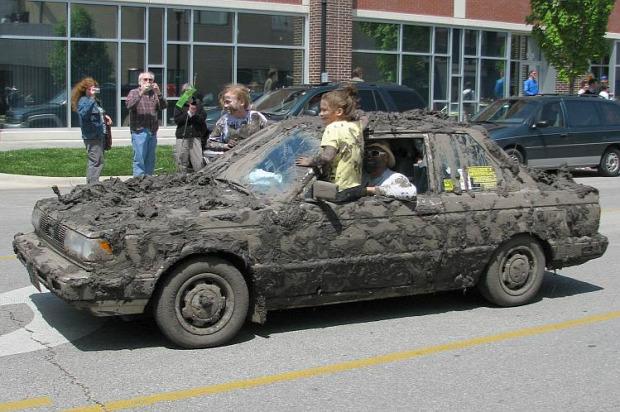 A világ érdekes autó motor sár mocsok
