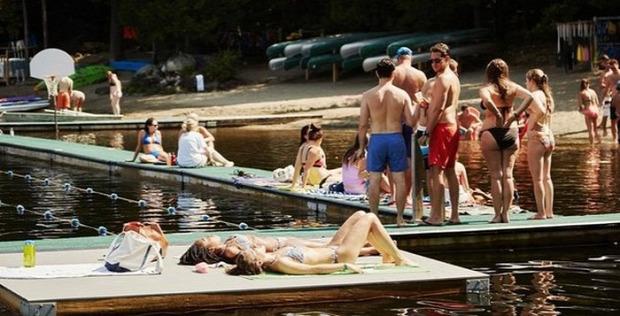 A világ érdekes nyári tábor felnőtt