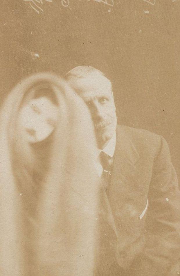 A világ érdekes szellem fotó fénykép 100 év