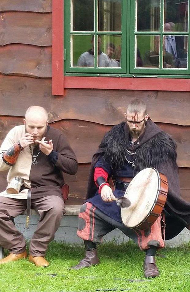 A világ érdekes viking esküvő szertartás
