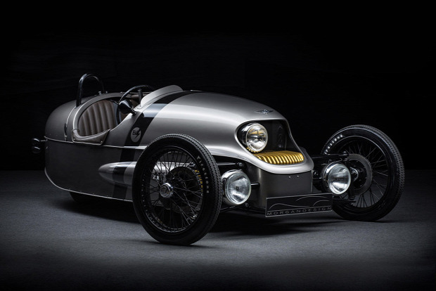 Kütyülógia Morgan elektromos háromkerekű retro futurisztikus