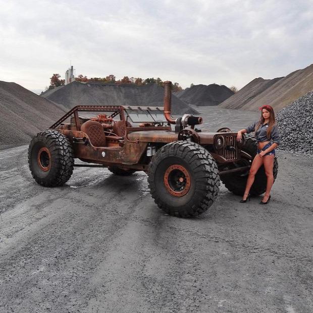 Kütyülógia autó terepjáró off-road rat rock sziklapatkány