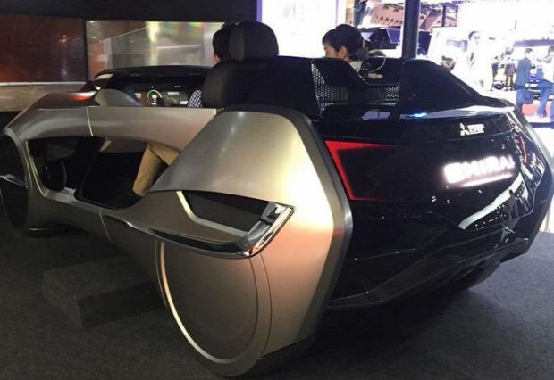 kütyülógia autó kiállítás Tokió